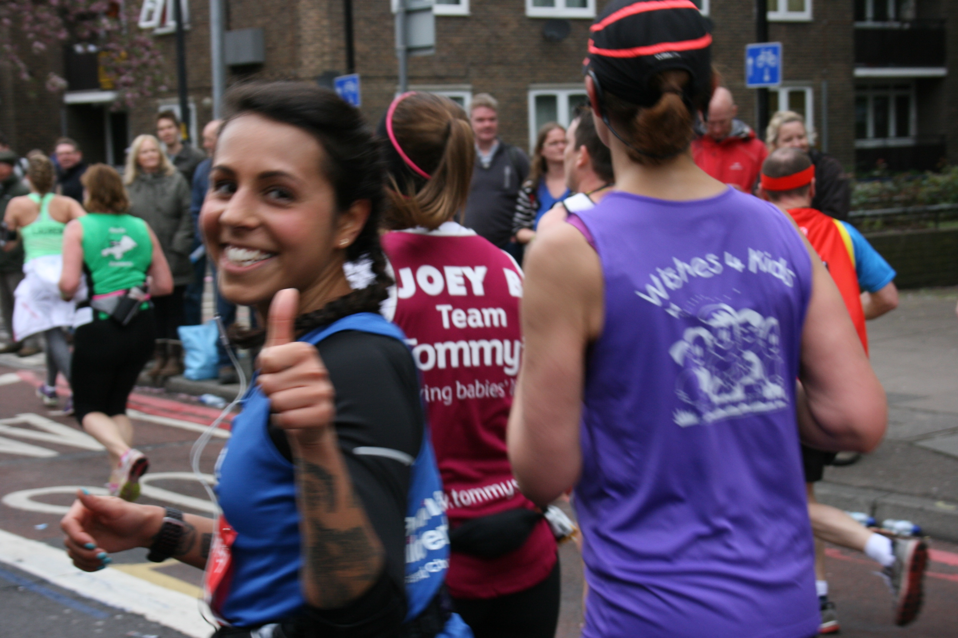 Previous Marathon Runner giving the thumbs up
